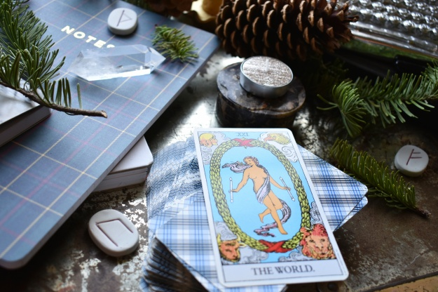 first-night-of-yule-tarot-card